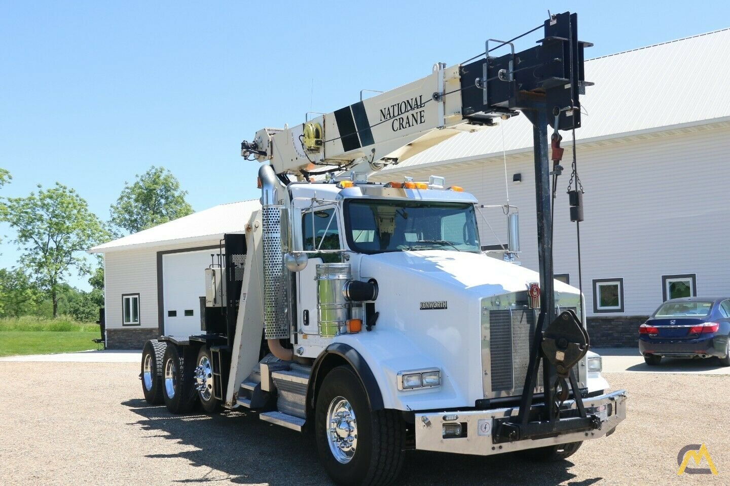 National 600E2 Series Model 649E2  20-ton Tractor Mount Boom Truck on Kenworth T800 3