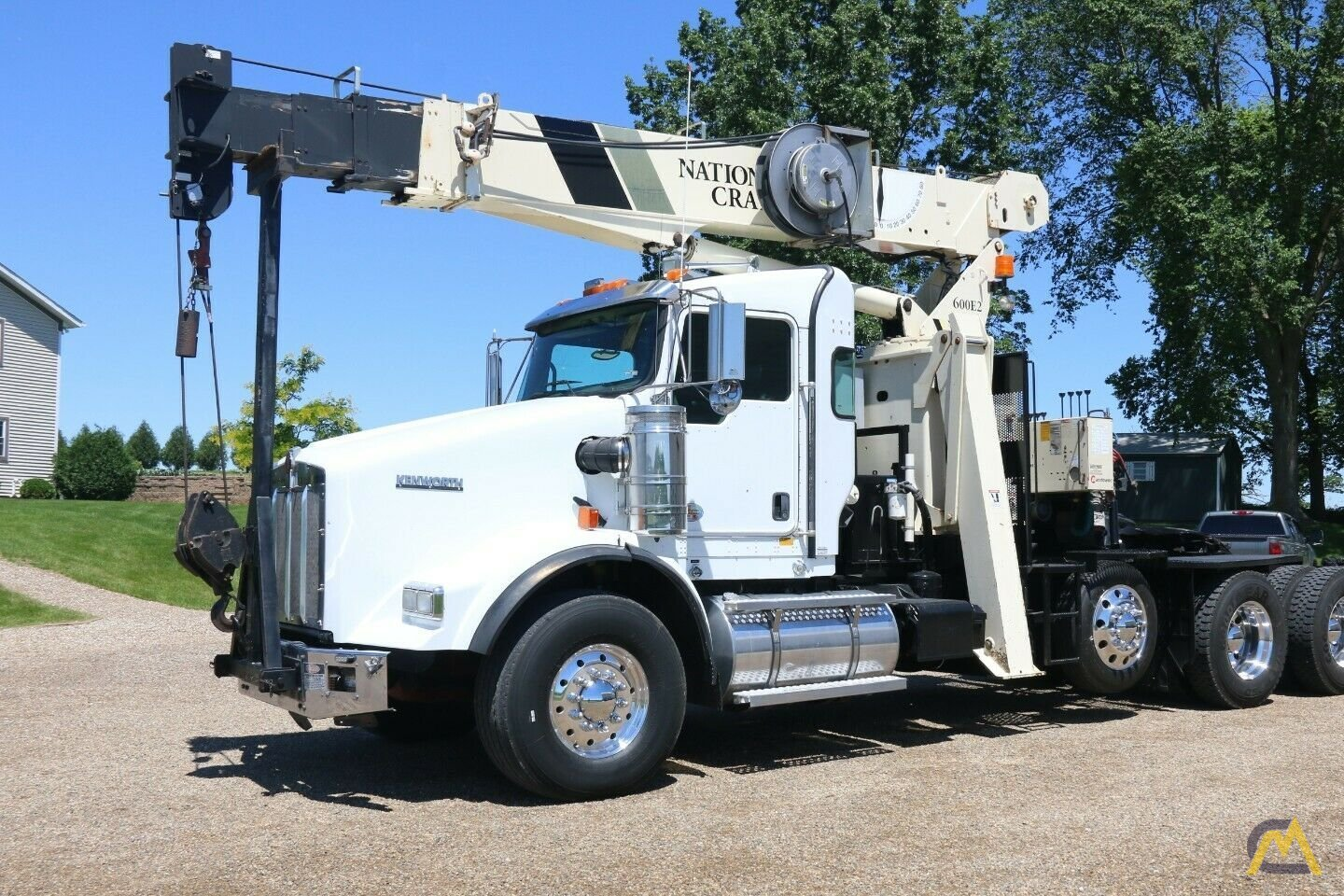 National 600E2 Series Model 649E2  20-ton Tractor Mount Boom Truck on Kenworth T800 10