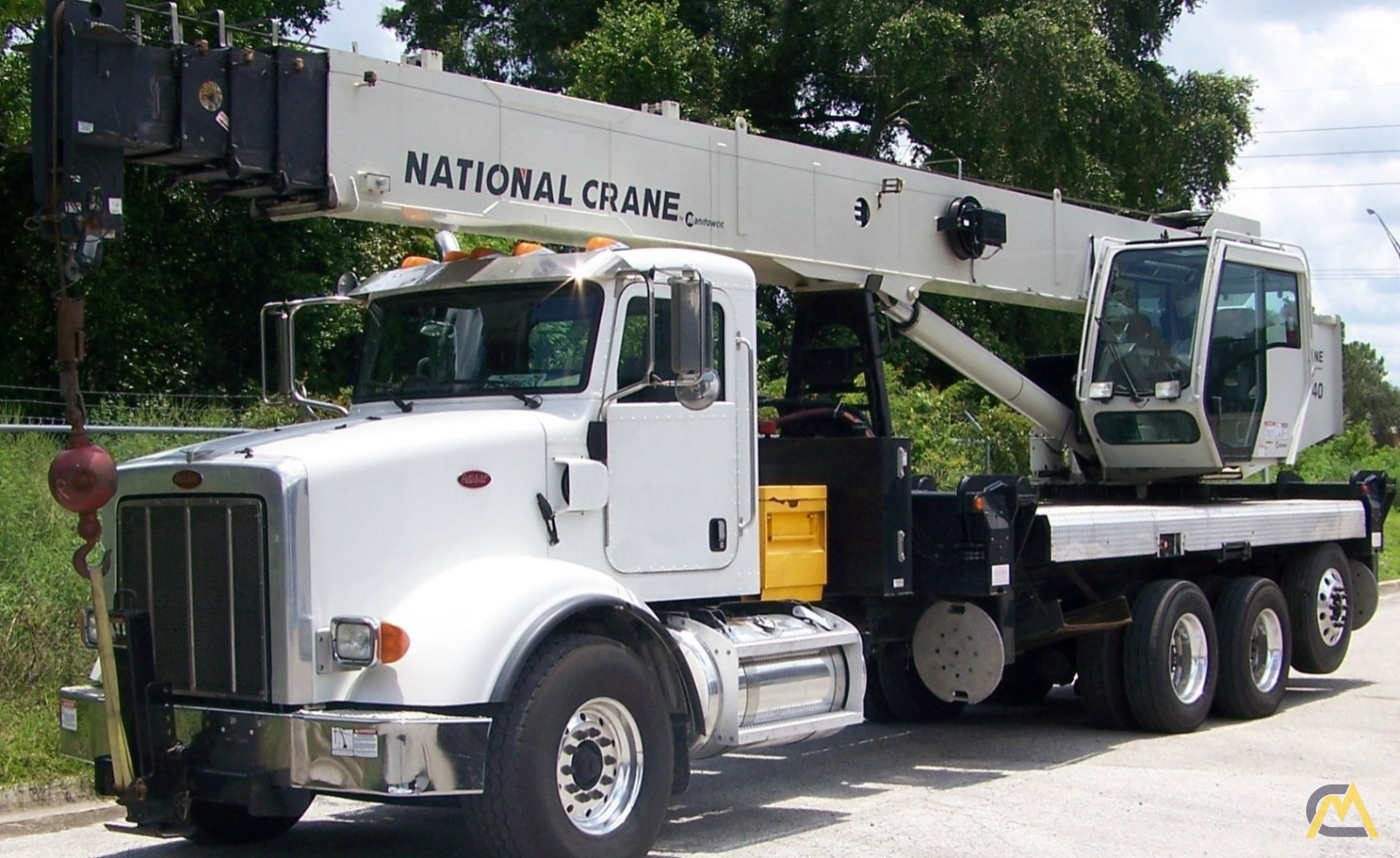 National NBT40 40-Ton Boom Truck Crane on Peterbilt 365 0