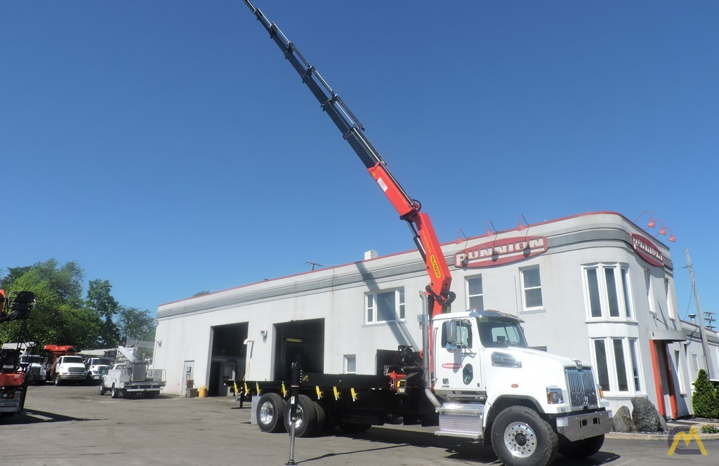 Palfinger PK 33002-EH 9.7-ton Knucklboom Crane on Western Star 4700SF 6