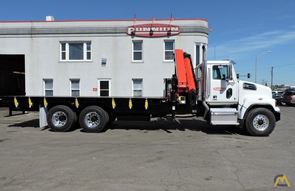 Palfinger PK 33002-EH 9.7-ton Knucklboom Crane on Western Star 4700SF 9