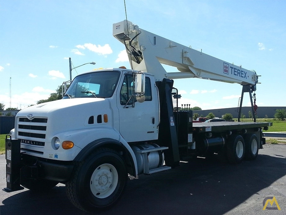 Terex BT 4792 24-ton Boom Truck on Sterling 7500 0