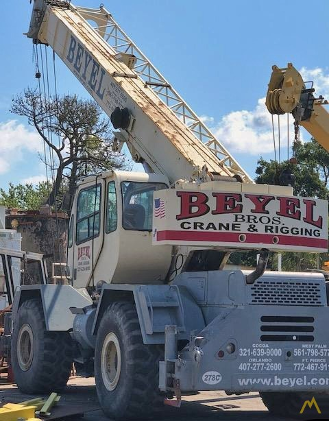 Terex RT 335 35-Ton Rough Terrain Crane 0