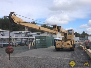 1979 Grove RT515 15-Ton Rough Terrain Crane