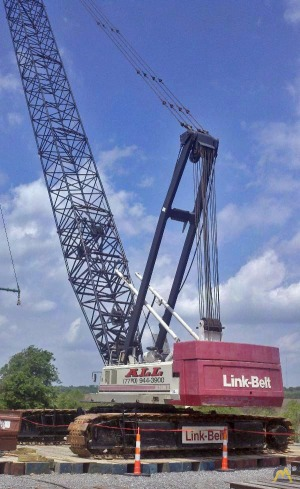 1999 Link-Belt LS-248HII 200-Ton Lattice Boom Crawler Crane