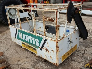 Mantis 2-Man 750 lb. Capacity Man Basket