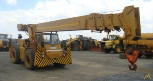 P&H R-200 20-ton Down Cab Rough Terrain Crane