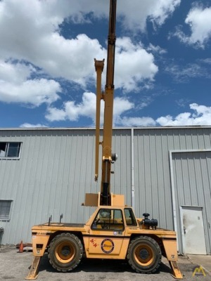 2010 Broderson IC-200-3G 15-Ton Carry Deck Crane