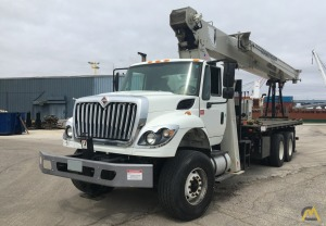 2013/2014 National 9103A 26-Ton Boom Truck w/ Roofers Package & Radio Remotes