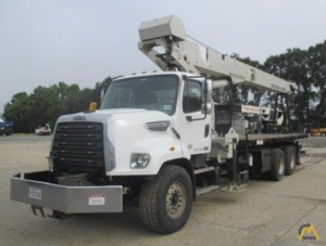 2015 National NBT30H 30-Ton Boom Truck