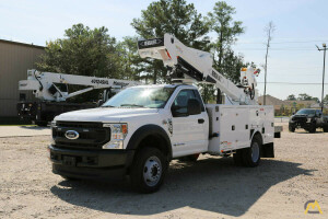 2021 Versalift VST-40-MHI mounted to 2021 Ford F-550 chassis
