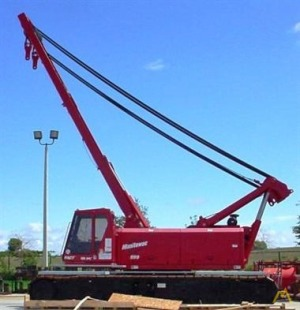 Manitowoc 999 275-Ton Lattice Boom Crawler Crane