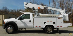 35' Altec AT200A Telescopic Boom Bucket Truck on Ford F-450 XL SD