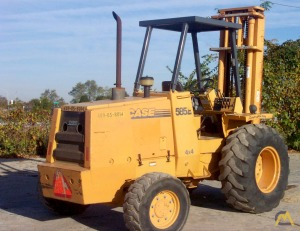 Case 585E Rough Terrain Lift Truck-5,550 lb capacity