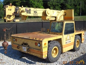 Grove AP308 8.5-Ton Carry Deck Crane