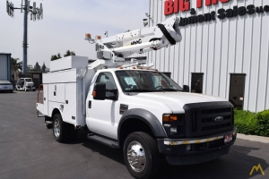 altec at37g articulating boom bucket truck