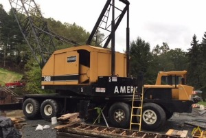 American 7460 90-Ton Lattice Boom Truck Crane