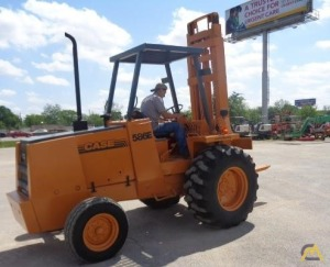 Case 586E 6,000 lb. 3-ton Industrial Lift Truck