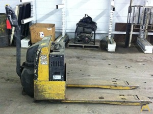 CAT NPP40 Electric Pallet Jack