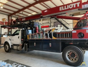 Elliott G85 2.95-Ton Telescopic Boom Bucket Truck on Ford F750XL