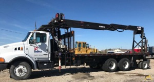 Fassi F280SE.22 3.45-Ton Drywall Pallet Fork Loading Crane on Sterling LT9513