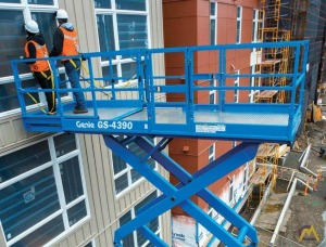 Genie GS-4390 RT 0.75-Ton Scissor Lift