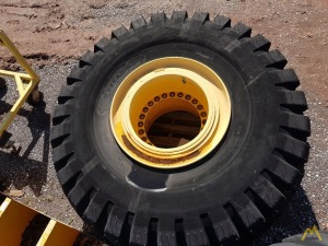 (4) Grove RT 29.5-25 Tires/Wheels