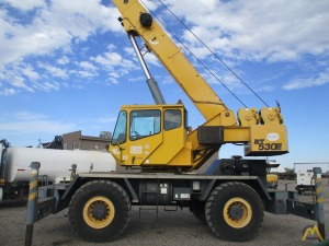 Grove RT530E 30-ton Rough Terrain Crane