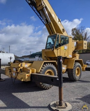 Grove RT630B 30-Ton Rough Terrain Crane