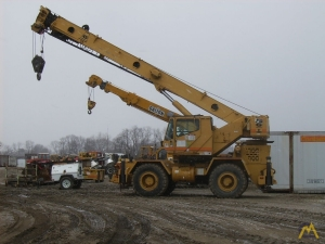 Grove RT630C 30-Ton Rough Terrain Crane