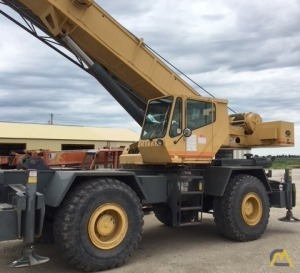 Grove RT740B 40-ton Rough Terrain Crane