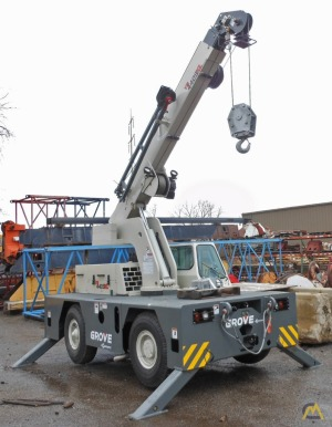 Grove YB4409XL 8.5-Ton Carry Deck Crane