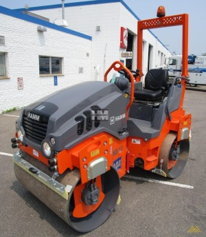 Hamm HD12VV Smooth Drum Compactor
