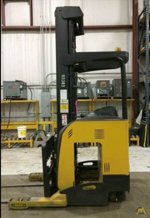 Hyster N35ZR Narrow Aisle Forklift