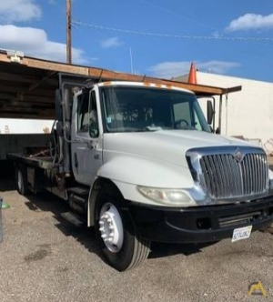 International 4300 Flatbed Counterweight/Rigging Truck with Liftgate