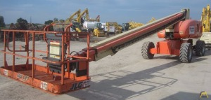 JLG 800S Self-Propelled Boom Lift