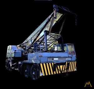 Link-Belt HC-218A 100-Ton Lattice Boom Truck Crane