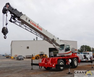 Link-Belt RTC-8030 30-Ton Rough Terrain Crane