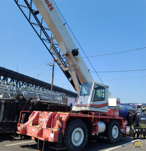 Link-Belt RTC-8030 Series II 30-ton Rough Terrain Crane