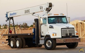 Manitex 26101C 26-Ton Boom Truck Crane on Peterbilt
