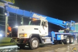 Manitex 2892 28-ton Boom Truck Crane on Mack CL700