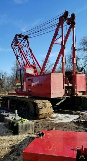 Manitowoc 222 100-ton Lattice Boom Crawler Crane