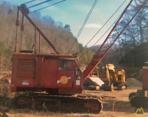 Manitowoc 3000W 65-Ton Lattice Boom Crawler Crane