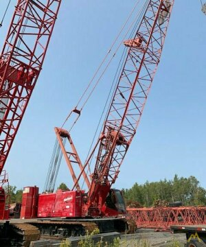 Manitowoc 555 Series 2 150-ton Lattice Boom Crawler Crane