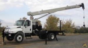 National 1660 14-Ton Boom Truck Crane