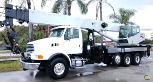 National 18127 40-Ton Boom Truck Crane
