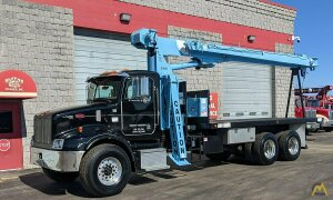 National 568D 16-ton Boom Truck Crane on Peterbilt 330