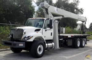 National Series 800D Model 8100D 23-ton Boom Truck Crane on International 7400