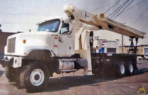 National 9103A 26-Ton 6 X 6 Boom Truck Crane on International 5500i
