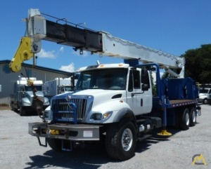 National Series 900A Model 9103A 26-ton Boom Truck on